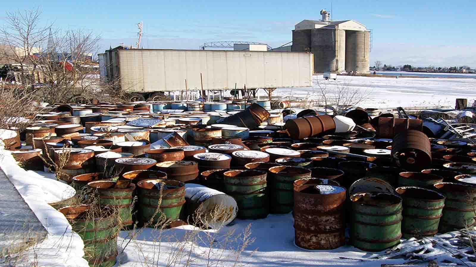 накопление отходов на территории промышленных предприятий