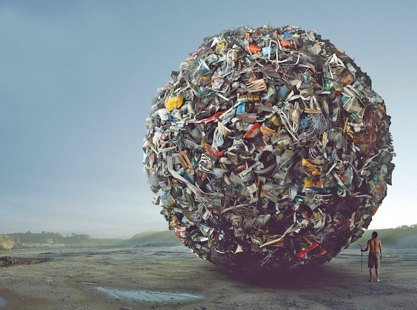 шар из мусора