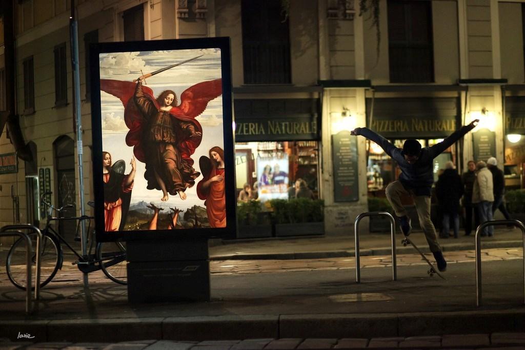 Виды рекламных постеров