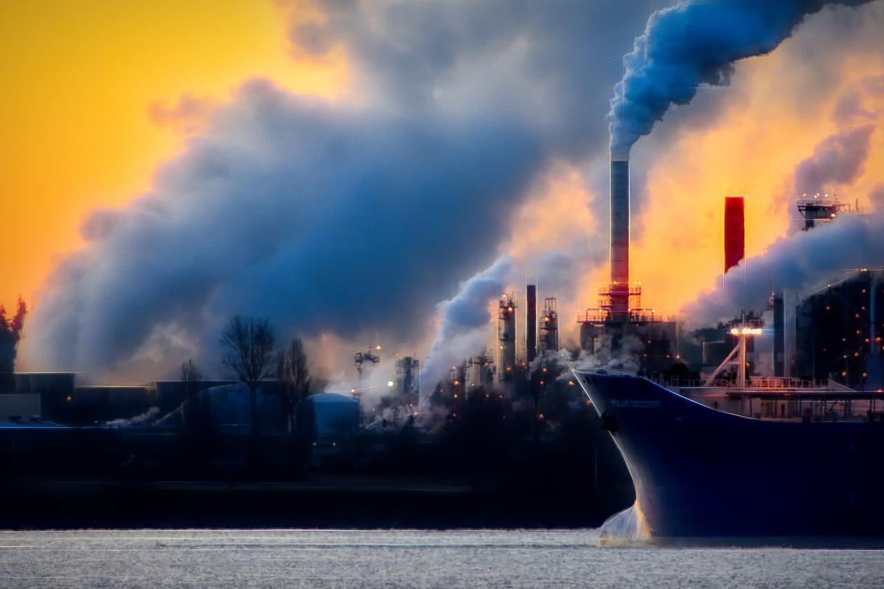 Заводы загрязняют окружающую среду