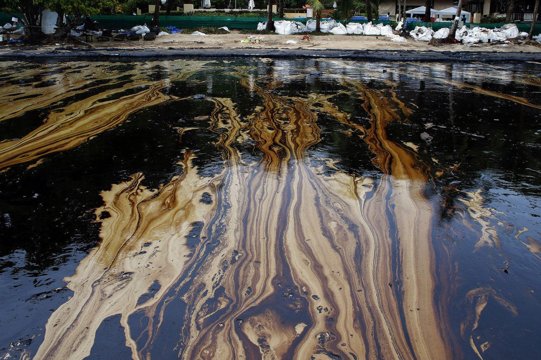 Загрязнение воды нефтью картинки
